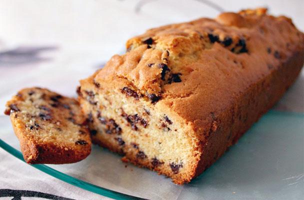 Cake all'olio extravergine e yogurt - Cake soffice e morbida, a base di ingredienti genuini, perfetta per la colazione o la merenda.