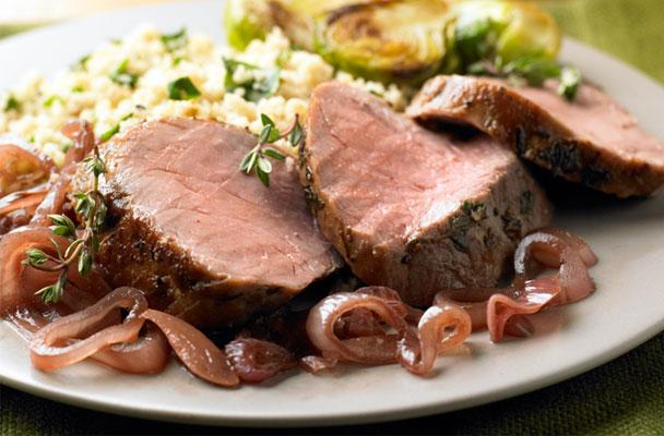 Filetto di maiale confit in olio extravergine al timo - Filetto di maiale al porto ...